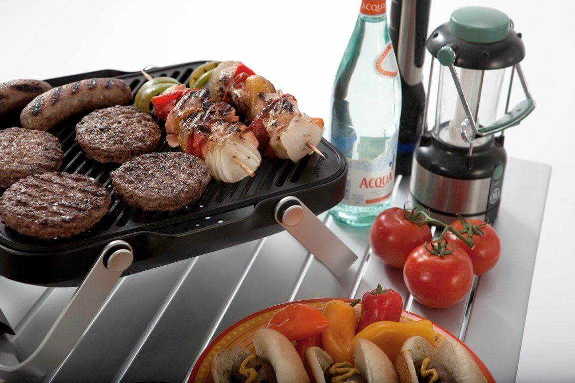 How To Use A Small Gas Grill For A Family Barbecue